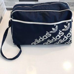 Vintage Adidas crossbody bag